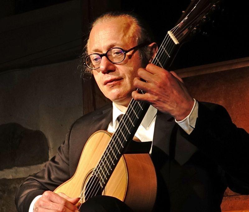Von Bach bis Flamenco: Gitarrenkonzert in Neunkirchen