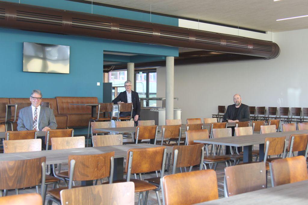 Neue Mensa an der Heinrich-Roth-Realschule plus eröffnet