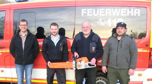 Motorsäge für Oberlahrer Feuerwehr gespendet
