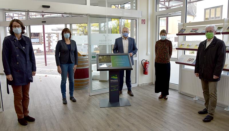 Digitale Infosäulen führen durch Naturpark Rhein-Westerwald