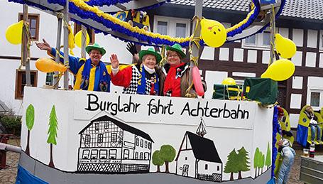 Erfolgreiche Premiere des Nelkensamstagszuges in Burglahr/Peterslahr