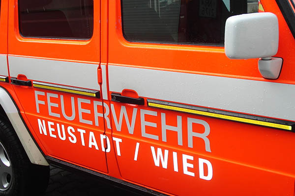 Brennender Strommast in Neustadt-Brüchen