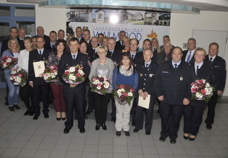 Ehrenfeier für langjährig aktive Feuerwehrleute der VG Wallmerod