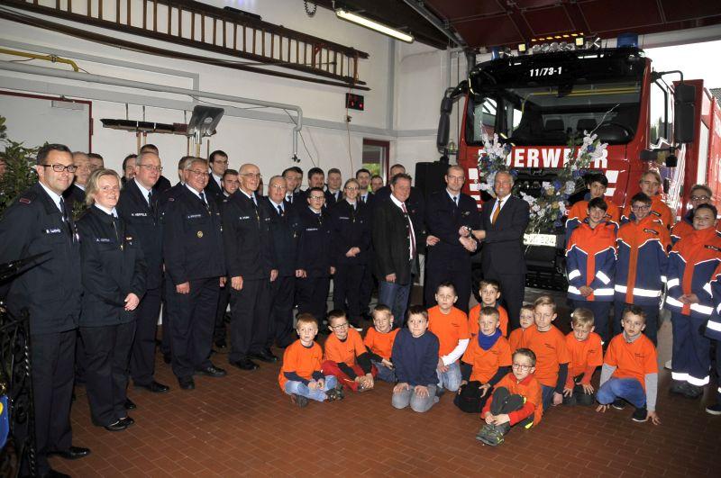 Neues Mehrzwecktransportfahrzeug (MZF3) für Feuerwehr Meudt