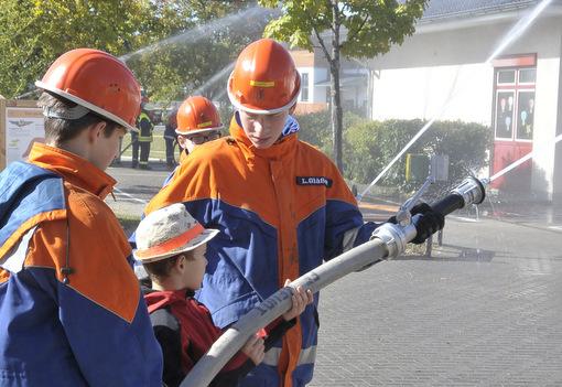 Jugendfeuerwehren übten den Ernstfall in Wallmerod