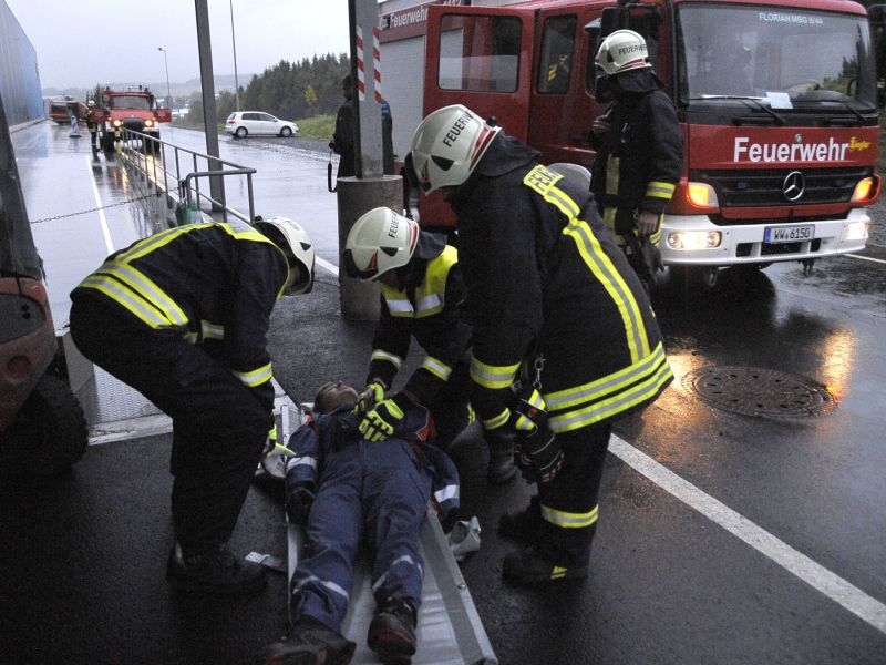Katastrophenschutzübung für Umgang mit Gefahrstoffen