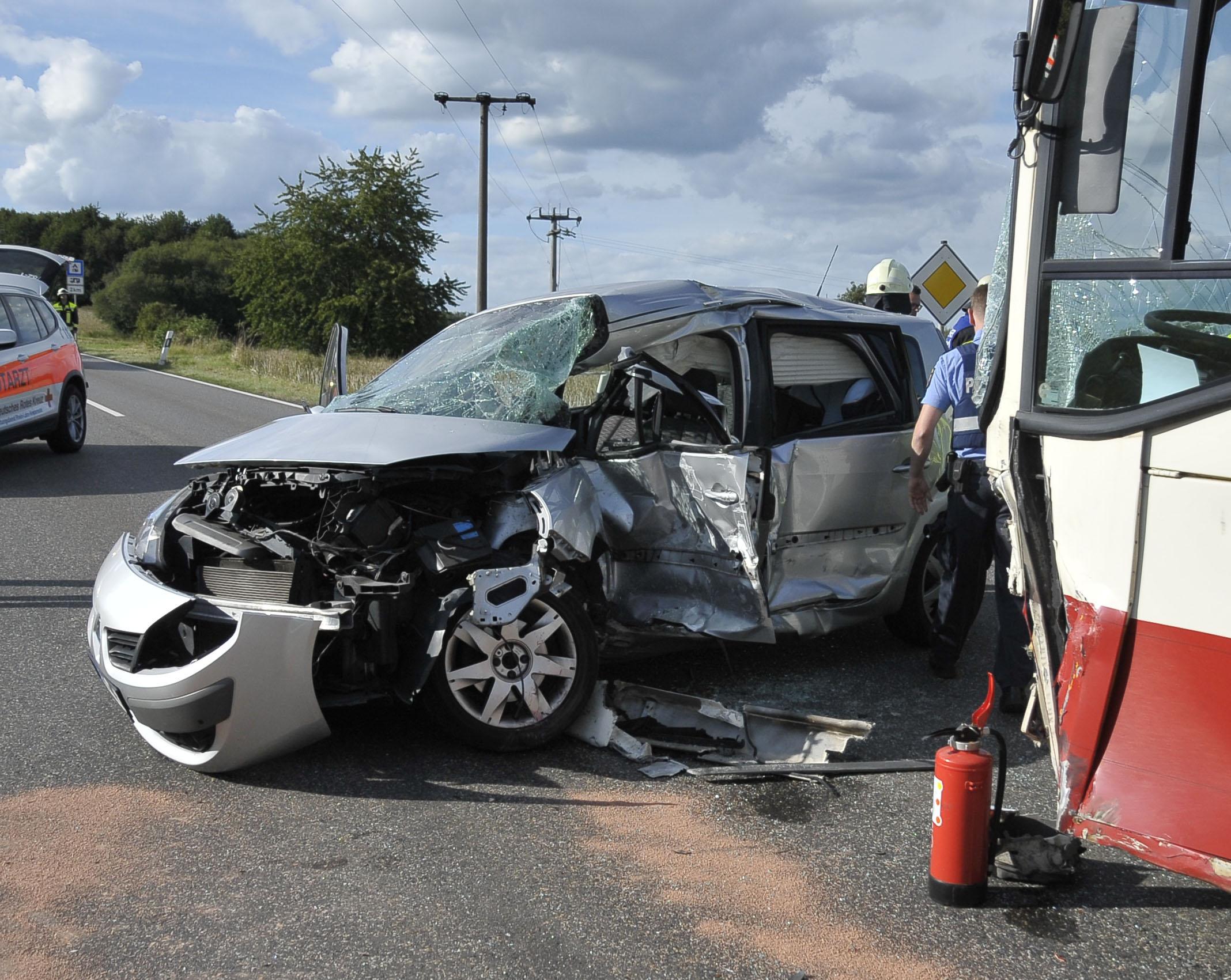 Vorfahrt missachtet – Tödlicher Unfall