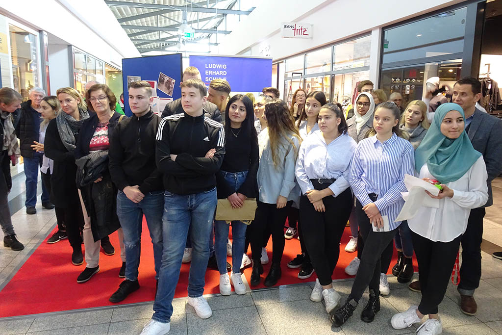 Die Ludwig-Erhard-Schule Neuwied sagt Mikroplastik den Kampf an