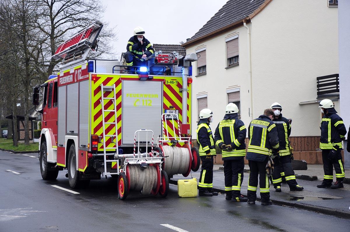 Technischer Defekt an einem Lieferwagen sorgte für Feuerwehreinsatz