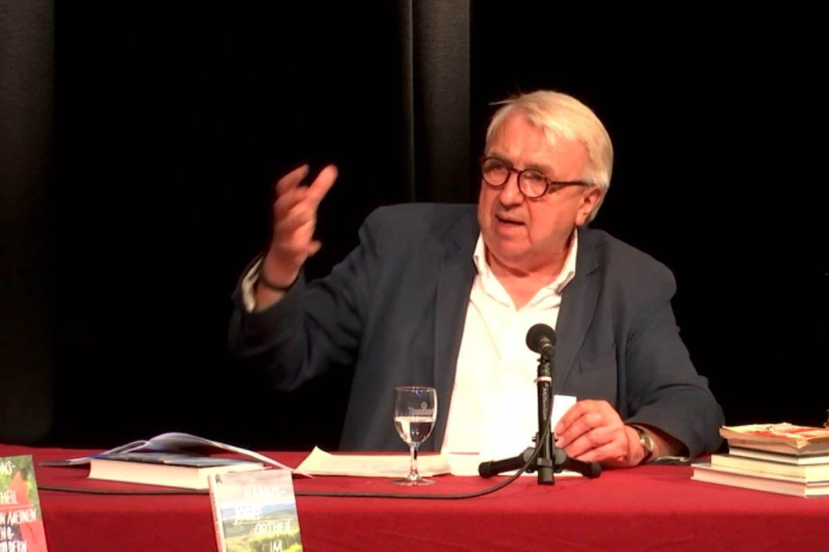 Hanns-Josef Ortheil bei der Eröffnungsveranstaltung des Westerwälder Literatursommers. Fotos: Wolfgang Tischler