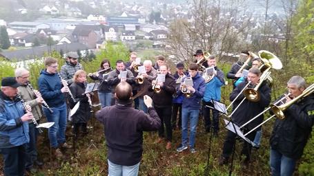 Musikverein Scheuerfeld stimmte auf das Osterfest ein