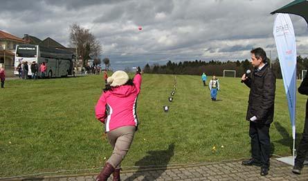Ostereier-Weitwurf-Wettbewerb in Horhausen