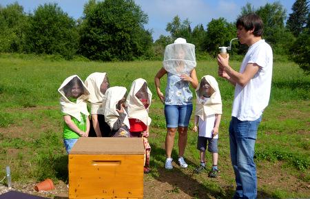 Vorschulkinder der Lebenshilfe erforschten die Welt der Honigbienen