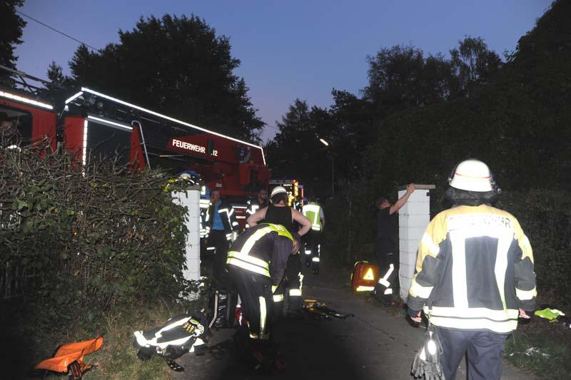 Rettungseinsatz: Mann stürzt zwölf Meter tief in Brunnen