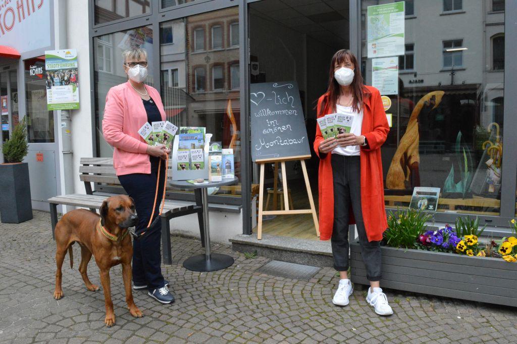 Wäller Pfoten Pfade – neues Booklet für Wanderer mit Hund