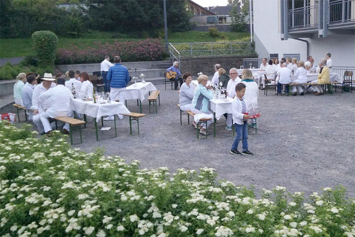 Picknick in Weiß in Dernbach