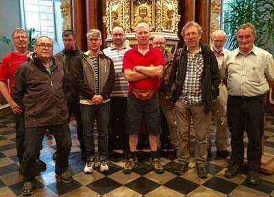 Kirchenkreise kooperieren: Männer auf dem Pilgerweg