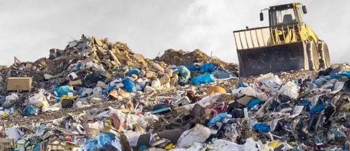 Aktion Plastikfrei: Gr�ne informieren auf dem Wochenmarkt