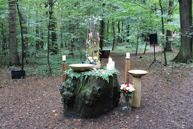Dritte Gedenkfeier im Ruhewald Steimel