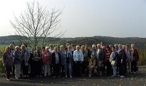 Land-Frauen Frischer Wind e.V. besuchten Birkenhof Brennerei