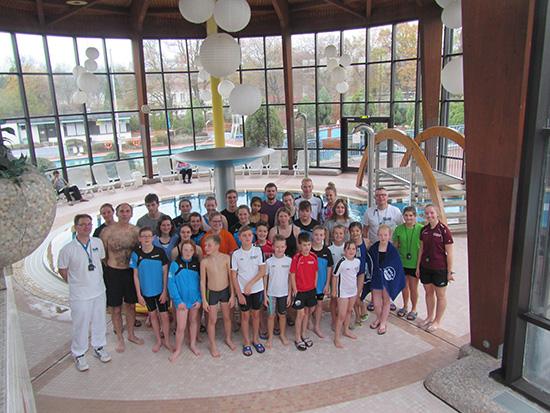 Mannschaften des Schwimm-Teams Daaden-Wissen beim Finale des Westerwald Cup 2018