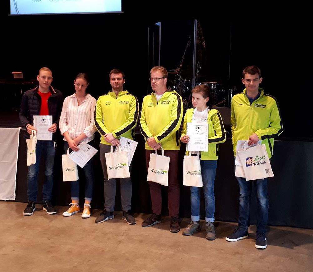 Erfolgreiche Wettkampfschwimmer des SV Neptun wurden geehrt