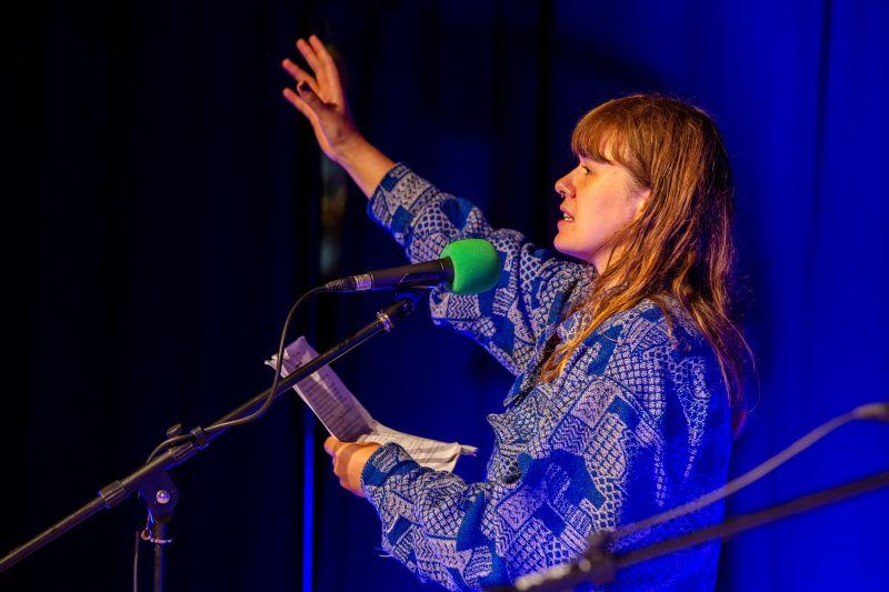 Laura Paloma gewinnt den Poetry Slam in Selters. Fotos: agentur media schneider