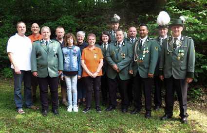 Die Geehrten des Preis- und Pokalschießens 2017 der Schützengesellschaft Hamm. Foto: Verein