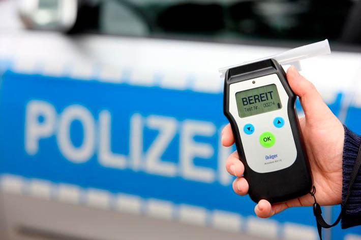 Betrunkener zwingt mehrere Verkehrsteilnehmer zu Vollbremsungen