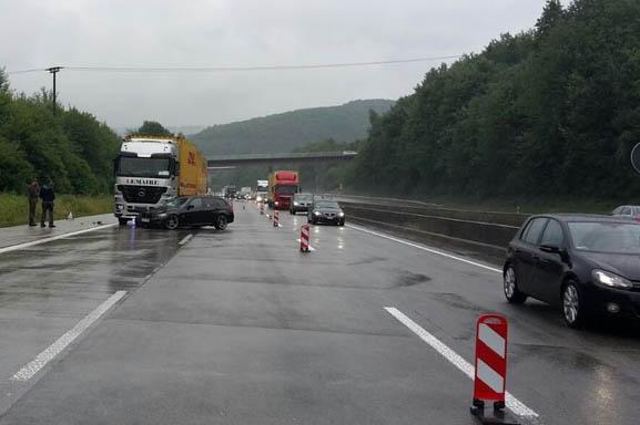 Viele Unfälle auf der A 3 im Bereich Wiedbachtal
