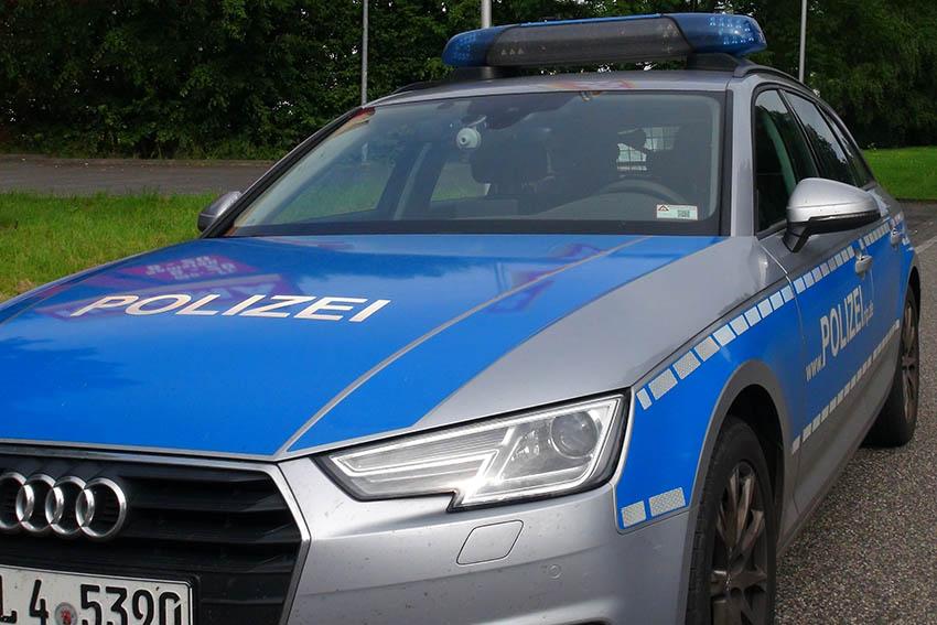 Zwei Unfälle und zwei Fahrerfluchten meldet Polizei Straßenhaus