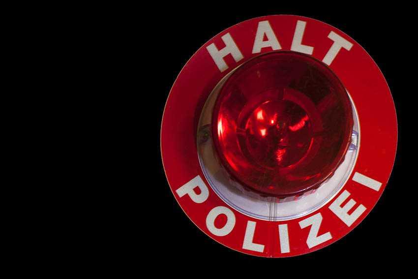 Fahrzeugkontrolle mit Verfolgungsfahrt und Widerstand