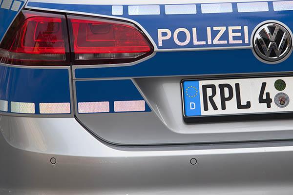 Illegales Straßenrennen und Einsatz von Pfefferspray