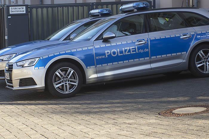 Betrunken Schilder umgefahren und Karnevalsgeschehen in Asbach
