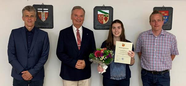 Glückwünsche zur bestandenen Prüfung für Christine Zimmermann