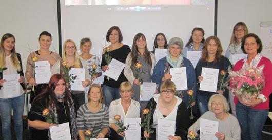 Kreisvolkshochschule qualifiziert 17 Sprachförderkräfte
