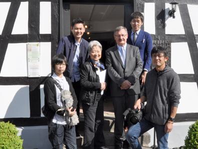 Japanische Journalisten besuchten Raiffeisenhaus in Flammersfeld