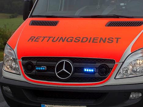 """""""Vermutlich schwer verletzt"""": Auto kollidiert mit dreijährigem Jungen in Herdorf"""