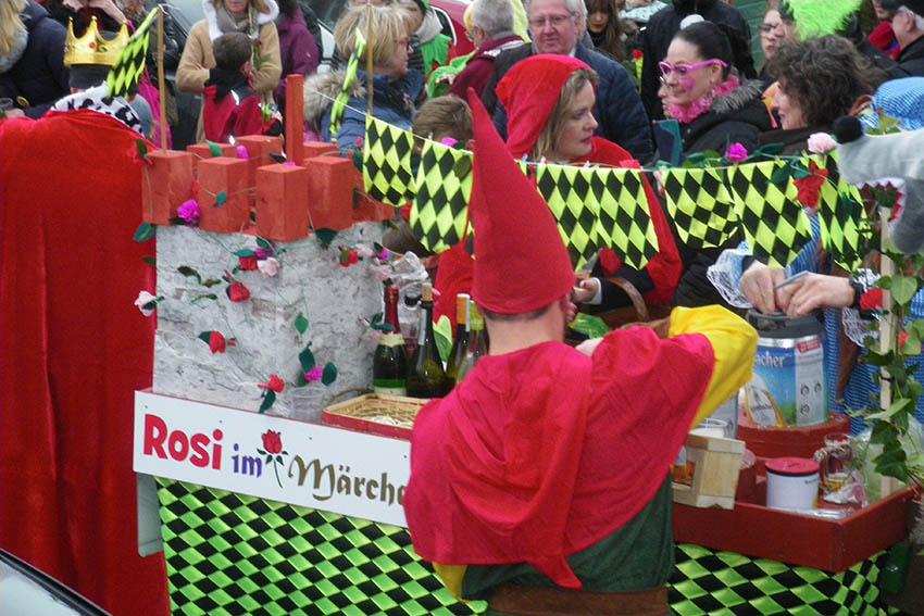 Märchenhafter Karnevalszug in Rengsdorf
