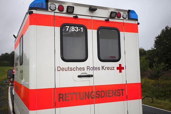 Besatzung eines brennenden Rettungswagens wird zu Lebensrettern