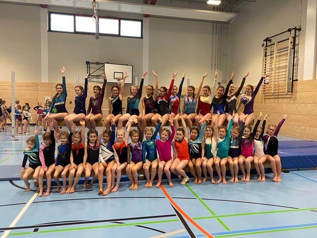 Erfolgreiche Turnerinnen des TV Rheinbrohl. Foto: privat