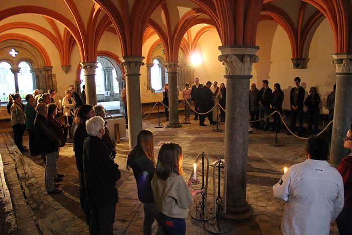 """Andrang beim """"weißen Orden"""" in der Abtei Rommersdorf"""