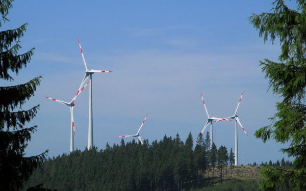 Mahnwache: Windkraft im Wildenburger Land hat nicht nur Gegner