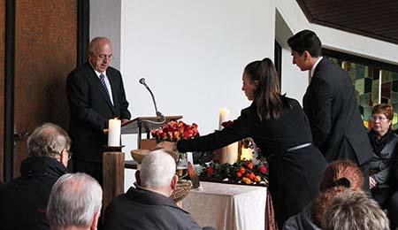 Erste Gedenkfeier im Ruhewald Steimel