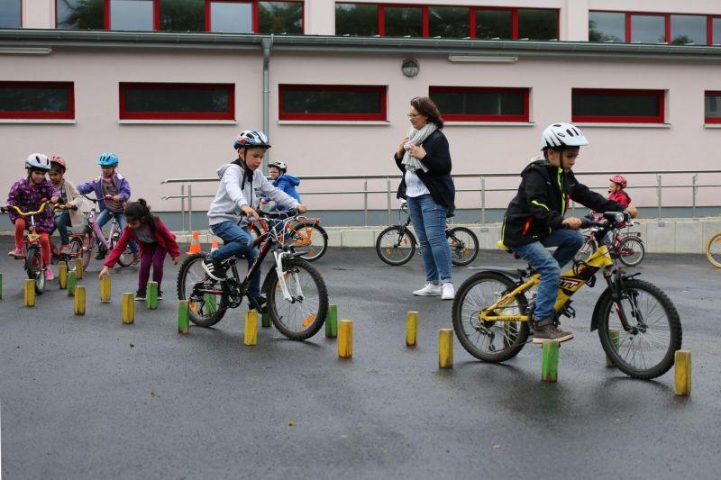 Fahrradfahren in der Grundschule Brachbach