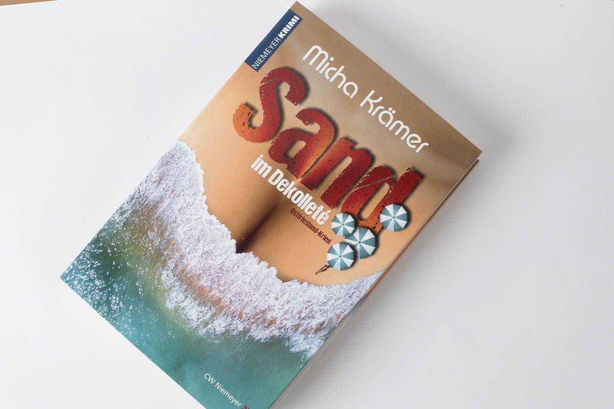 """Buchtipp: """"Sand im Dekolleté"""" von Micha Krämer"""