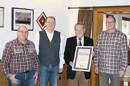 """Wilfried Reifenrath Ehrenvorsitzender des MGVs """"Sangeslust"""""""