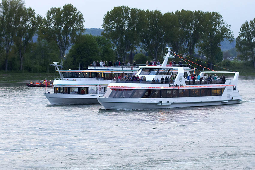 VdK geht auf Schiffstour auf dem Rhein