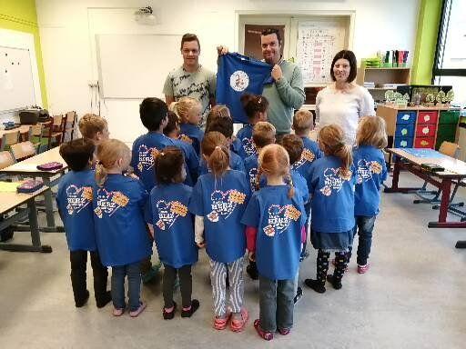 Schul-T-Shirts der Marienschule fördern Zughörigkeit