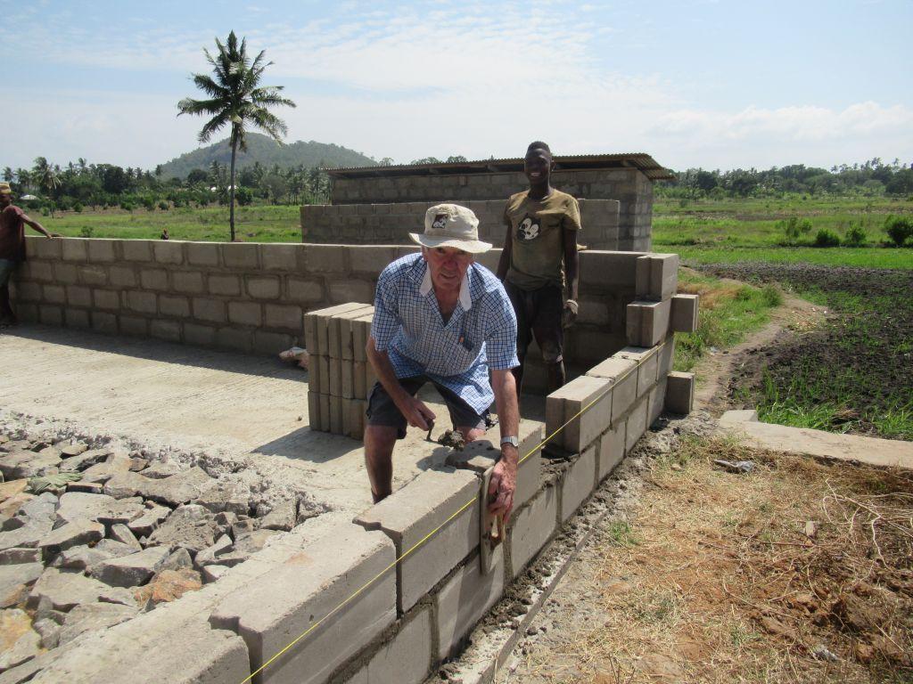 Grundschule in Tansania: Weitere Klassenräume entstehen